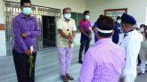 চুয়াডাঙ্গায় করোনা জয়ী পুলিশ সদস্যদের এসপি'র ফুলেল শুভেচ্ছা