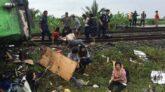 থাইল্যান্ডে ট্রেনের ধাক্কায় ১৭ বাস যাত্রী নিহত