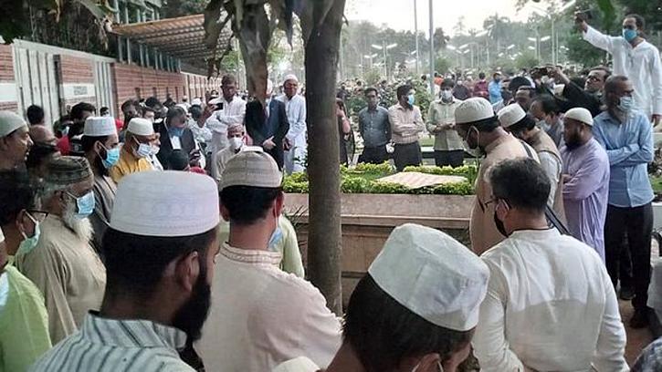 বনানীতে চিরনিদ্রায় শায়িত এইচ টি ইমাম