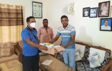 রিয়ার এডমিরাল মাহবুব আলী খানের পরিবারের পক্ষ থেকে  ঔষধ সামগ্রী প্রদান